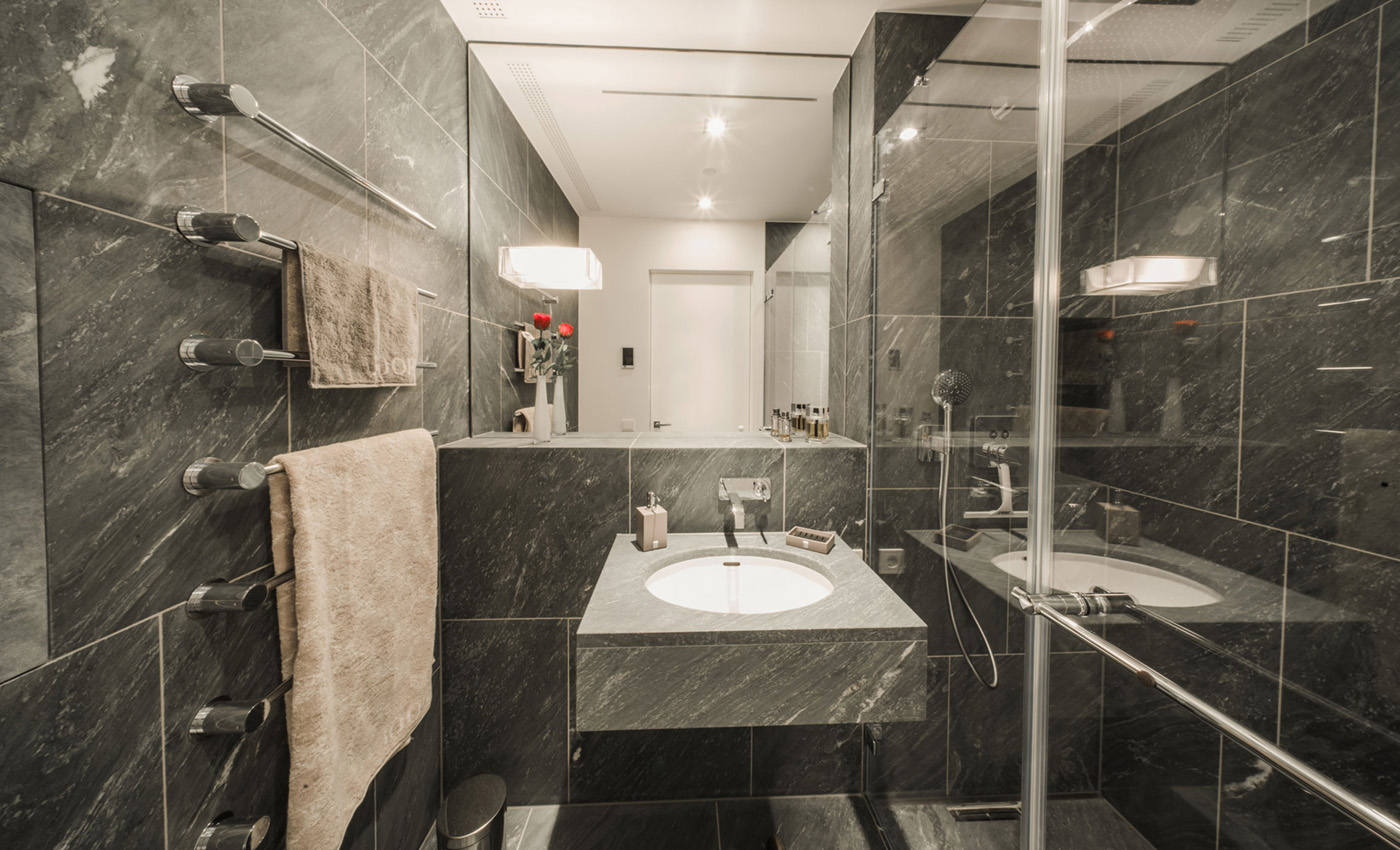 wohnen im wahrzeichen mietwohnung in der elbphilharmonie wohnen im wahrzeichen. Black Bedroom Furniture Sets. Home Design Ideas